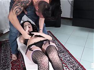 casting ALLA ITALIANA - hot black-haired in Italian audition
