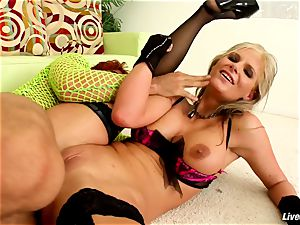 LiveGonzo Phoenix & Riley rectal Wifes hook-up party