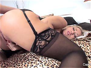 Capri Cavanni entices a fellow in her motel room