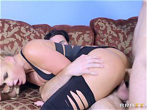 Phoenix Marie getting double penetration