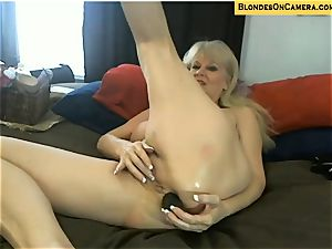 blondie mature goes all ultra-kinky in all holes on web cam