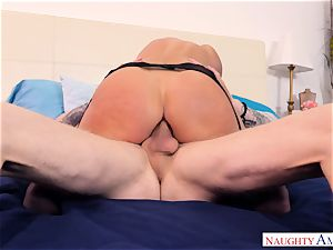 India Summers fucked in her rear entrance