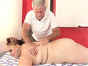 plumper huge-titted Bella gets a hookup rubdown