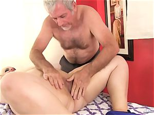 plumper huge-titted Bella gets a hookup rubdown