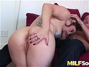 An anal pulverizing for mummy Charlotte Vale