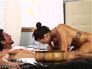 gigantic jugged Keisha Grey knows how to treat 2 pricks at a time