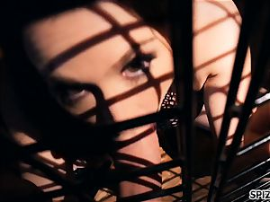 Spizoo-Pet babe Chanel Preston is punished by two pricks