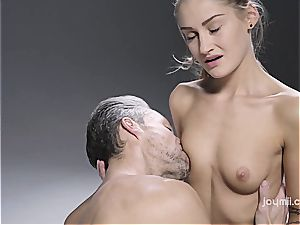 sizzling massage rubbin' and sultry orgy with Tiffany