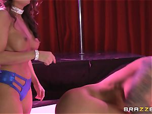 Brandy Aniston and Abigail Mac lezzy fucky-fucky showcase
