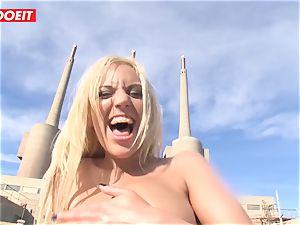 Chicas Loca - Encuentro rectal junto al mar