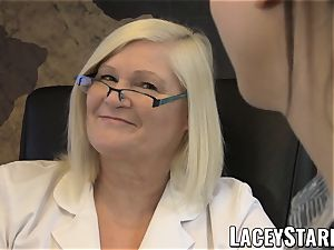 LACEYSTARR - GILF heals patient with girl-on-girl climax