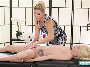 Elsa and India idolizes super hot sixty-nine stance on the massage table