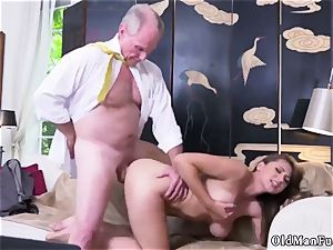 elder mom smash youthfull doll Ivy makes an impression with her immense bosoms and bum