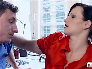 arses BUERO - stunning German secretary bangs at the office