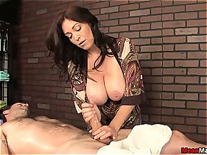 The finest hand job from a cougar with immense breasts
