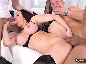 Markus Dupree, Mike Blue and crazy cougar Kendra fervor