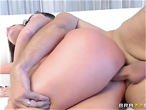 brunette Britney Amber gets an sudden pecker filling