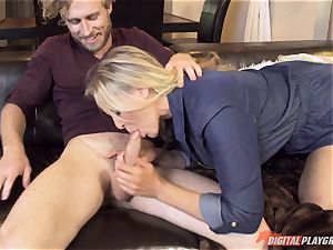 Julia Ann pussy packed on mothers day