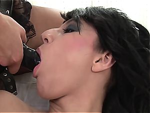 Emylia finds a substitute man-meat for Valentina's moist honeypot