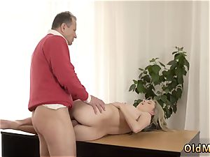 elderly west Stranger in a immense palace knows how to super-fucking-hot you up