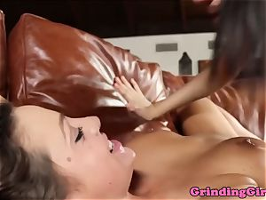 marvelous lesbians sixtynining together