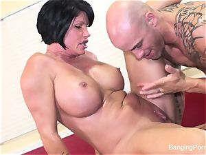 Mature sex industry star gets fucked