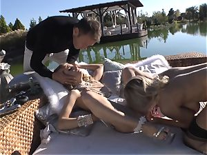 Rocco Siffredi heads deep inwards Cayenne Klein and her buddy
