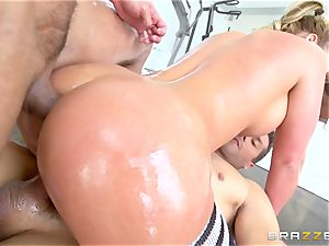Oily Phoenix Marie gagged and double ravaged bombshell