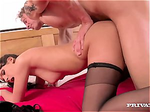 Bella Beretta's coochie Trashed While Her hubby observes