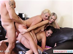fantastic Aaliyah enjoy banging in four-way