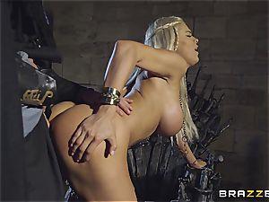Daenerys Targaryen gets screwed by Jon Snow on the iron Throne