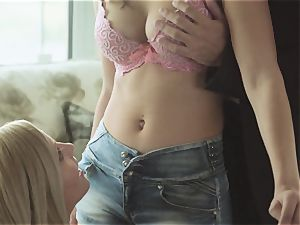 LosConsoladores - Spanish teenager is consoled in threesome