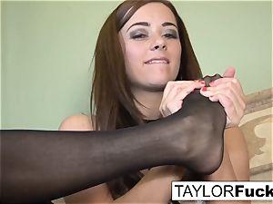 Taylor Vixen Looks extra super hot In black tights