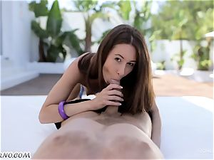 A youthfull woman gets her beaver hard romping