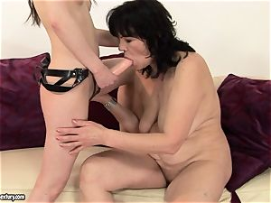 Anna Marie La Sante put cable on and shag a mature damsel