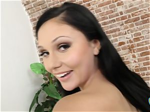 Ariana Marie got gigantic facial cumshot