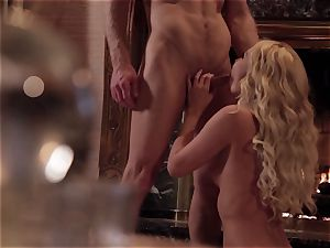 Aaliyah love quiets her stud with some torrid fuck-fest